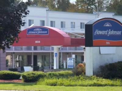 Howard Johnson Inn Albany 1 of 11