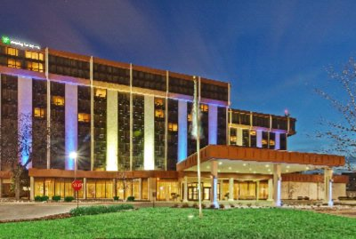 Image of Holiday Inn Express Hotel & Suites Chicago O'hare