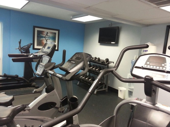 Fitness Center 7 of 17