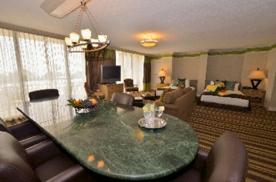 Spacious 4th Floor Parlor Suite 9 of 10