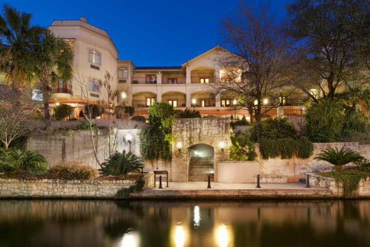 Hotel Indigo San Antonio Riverwalk 1 of 3