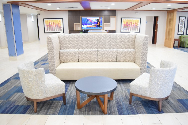 Comfortable Lobby Seating 13 of 20