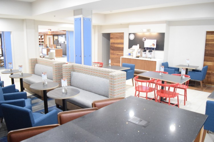 Breakfast Seating Area 16 of 20
