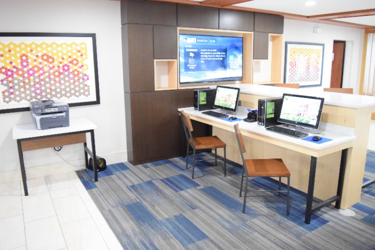 24 Hr Business Center 8 of 20