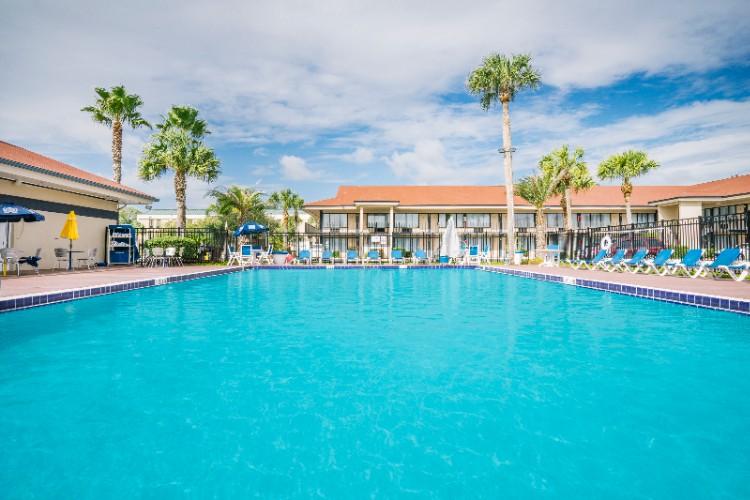 The Breakwater Hotel At Beach 2707 Sadler Rd Fernandina Fl 32034