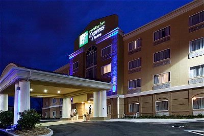 Holiday Inn Express & Suites 1 of 10