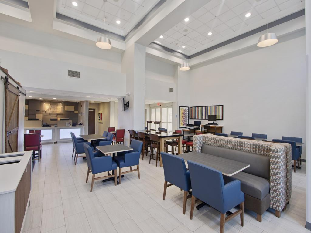 Lobby Lounge Area 4 of 13