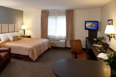 Candlewood Suites Chicago / Naperville 1 of 4
