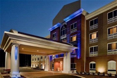 Holiday Inn Express & Suites of Raleigh at Ncsu 1 of 10