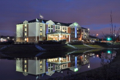 Holiday Inn Express Suites 15451 West Beloit Rd New Berlin Wi 53151