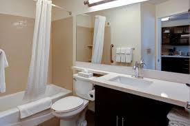 Spacious Bathroom With Bathtub 4 of 17