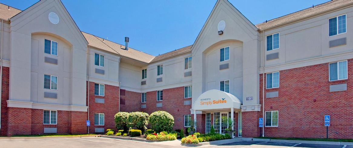 Candlewood Suites Overland Park 9 of 17