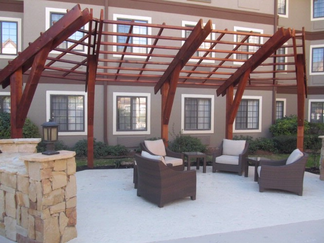 Outdoor Living Space Is Inviting At The End Of A Long Day! 16 of 31