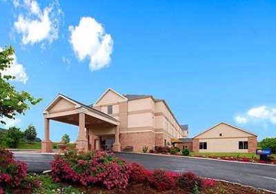Comfort Inn & Suites Christiansburg / Radford 1 of 16