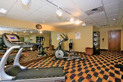 24-Hour Fitness Room 5 of 10