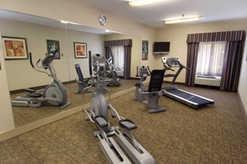 Fitness Room 8 of 9