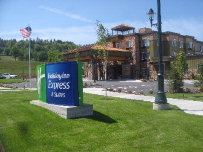 Holiday Inn Express & Conference Center Sequim 1 of 9