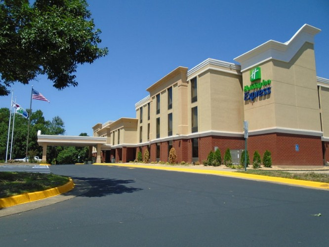 Holiday Inn Express Richmond – Midlothian Turnpike 1 of 14