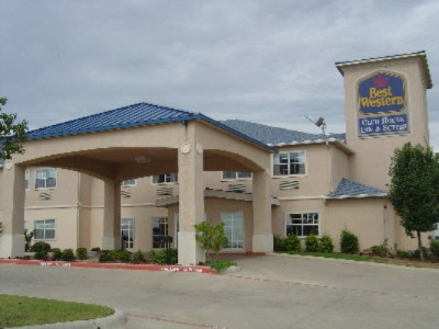Best Western Club House Inn & Suites 1 of 16