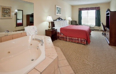 King Jacuzzi Room 9 of 10