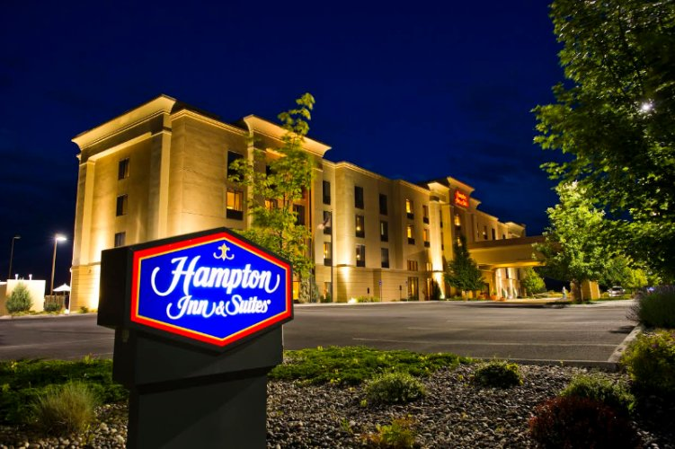 Hampton Inn & Suites by Hilton 1 of 8