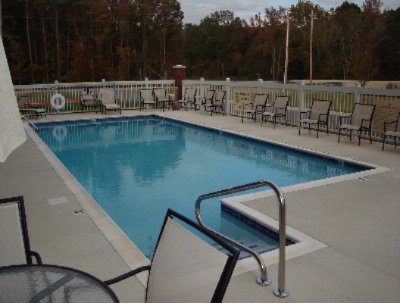 Take A Dip In Our Refreshing Outdoor Pool...and Look It\'s Shaped Like The State Of Alabama!! 4 of 12