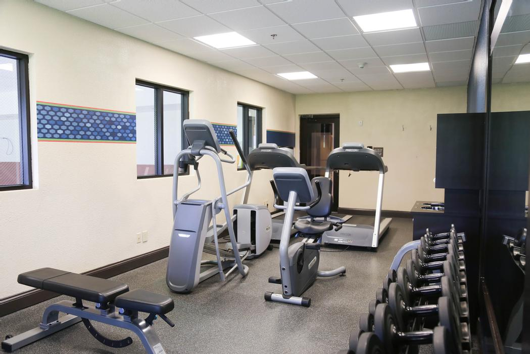 Fitness Center 10 of 24