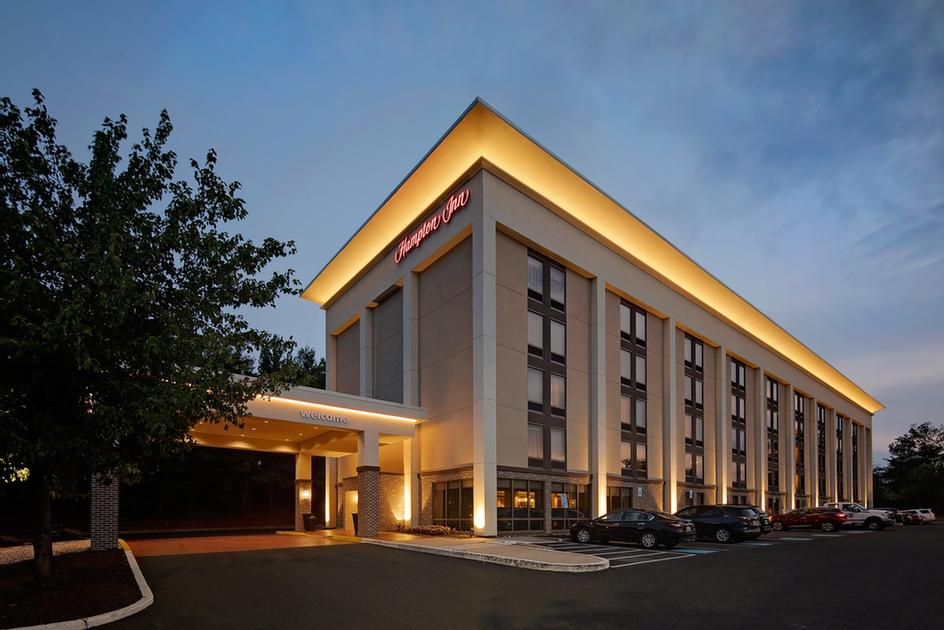 Hampton Inn Philadelphia / Willow Grove 1 of 11