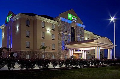 Holiday Inn Express & Suies In Texas City Night Picture 9 of 9