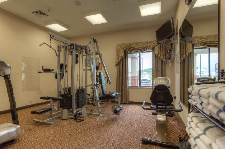 Comfort Inn & Suites-Cave City-Fitness Center 10 of 11
