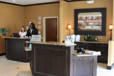 Front Desk Agents Are Happy To Assist! 3 of 4