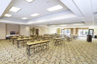 New Conference Center -Azalea Room Divides Into 2 Rooms 6 of 6