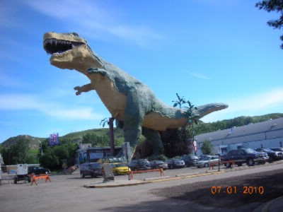 World\'s Largest Dinosaur 2 of 6