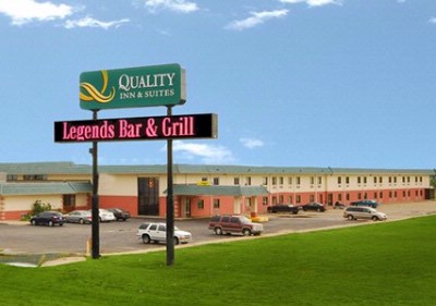Quality Inn & Suites Exterior Of Property