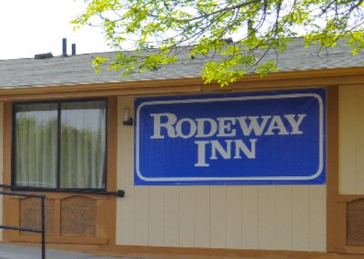 Rodeway Inn King Bed 2 of 6