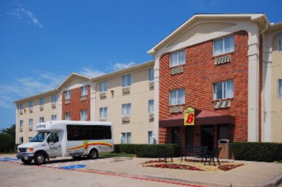 Super 8 Hotel Grapevine / Dfw Airport 1 of 8