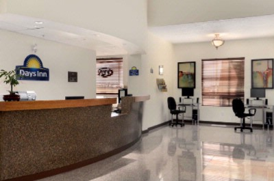 Front Desk 4 of 9