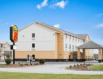 Baymont Inn & Suites Anderson 1 of 12