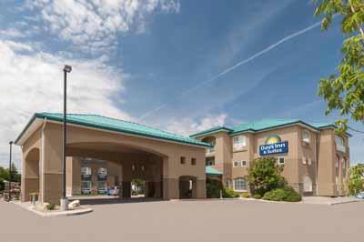 Days Inn & Suites Brandon 1 of 6