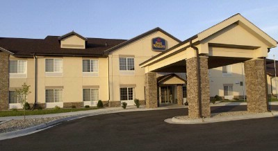 Quality Inn & Suites 1 of 8