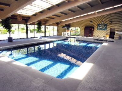Relax In Our Indoor Pool Hot Tub And Sauna Overlooking Our Outdoor Courtyard. 3 of 7