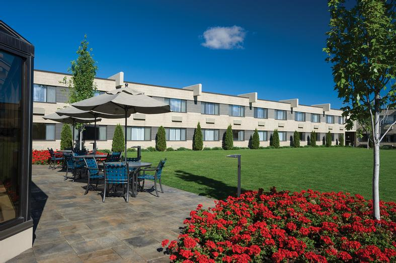 Our Outdoor Courtyard Offers An Excellent Alternative To A Standard Meeting Room. 6 of 7