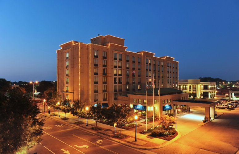 Hilton Garden Inn Virginia Beach Town Center 1 of 16