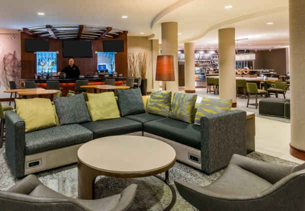 Lobby Seating 4 of 26