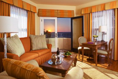Little Hotel By The Sea Suite 9 of 16