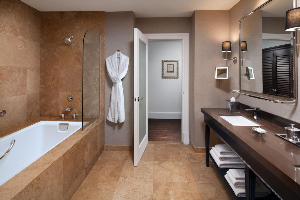 Grand Deluxe Guest Bathroom With Tub 27 of 27
