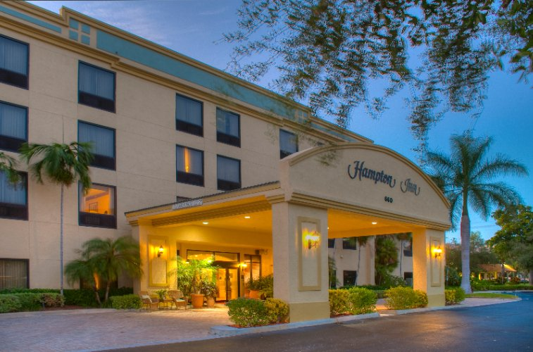 Hampton Inn Deerfield Beach 1 of 10