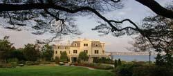 A Luxurious Historical Mansion - Turned Hotel At The Start Of Newport\'s Famous Cliff Walk. 3 of 7