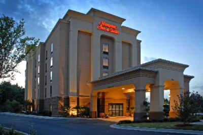 Hampton Inn & Suites Atlanta Six Flags 1 of 11