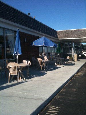 Outdoor Seating 15 of 20
